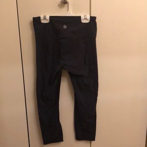 Navy cropped Athleta leggings